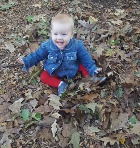 infant-in-leaves